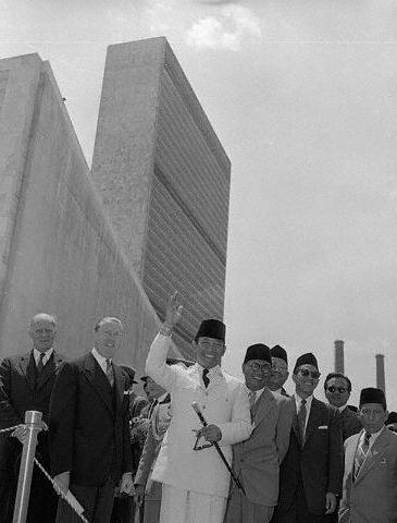 Sukarno Outside The UN Office