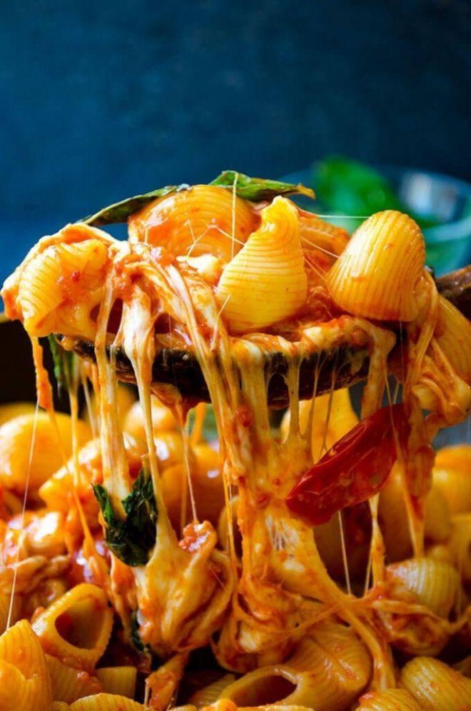 макароны с сыром и помидорами