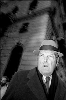 USA. New York City. 1993. Businessman on Fifth Avenue. © Bruce Gilden / Magnum…