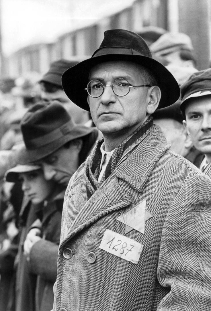 17 Best images about La Liste de Schindler - Schindler's ...