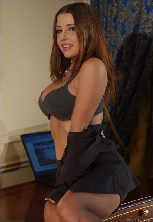 Erica Campbell High Quality Image Size 525x763 Of Erica Campbell Picture Erica Campbell