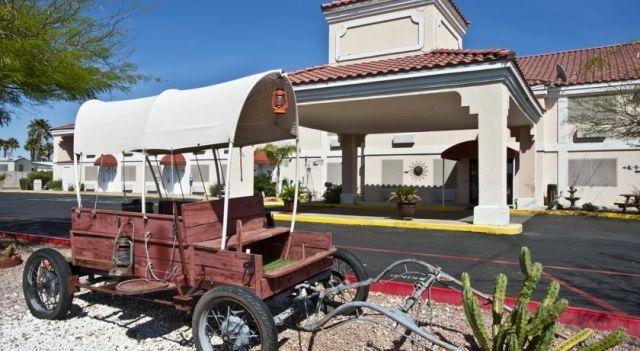 Motel 6 Apache Junction - 3 Star #Hotel - $56 - #Hotels #UnitedStatesofAmerica #ApacheJunction http://www.justigo.ca/hotels/united-states-of-america/apache-junction/super-8-apache-junction_103954.html