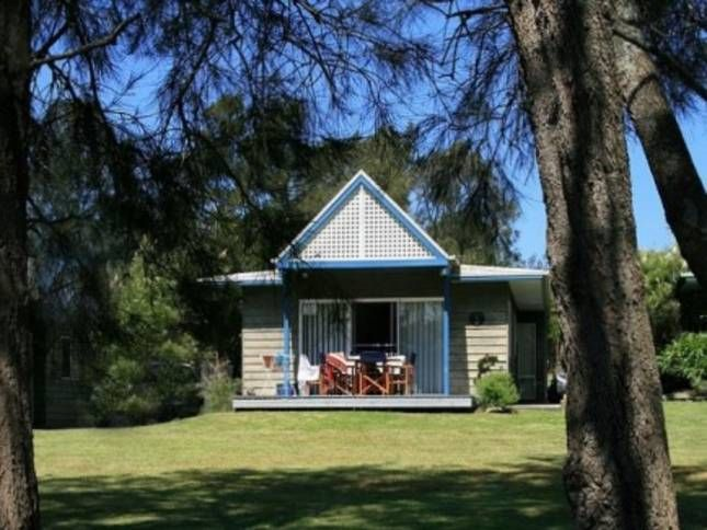 Kangaroo Cabin, a Sussex Inlet Chalet/Cabin | Stayz