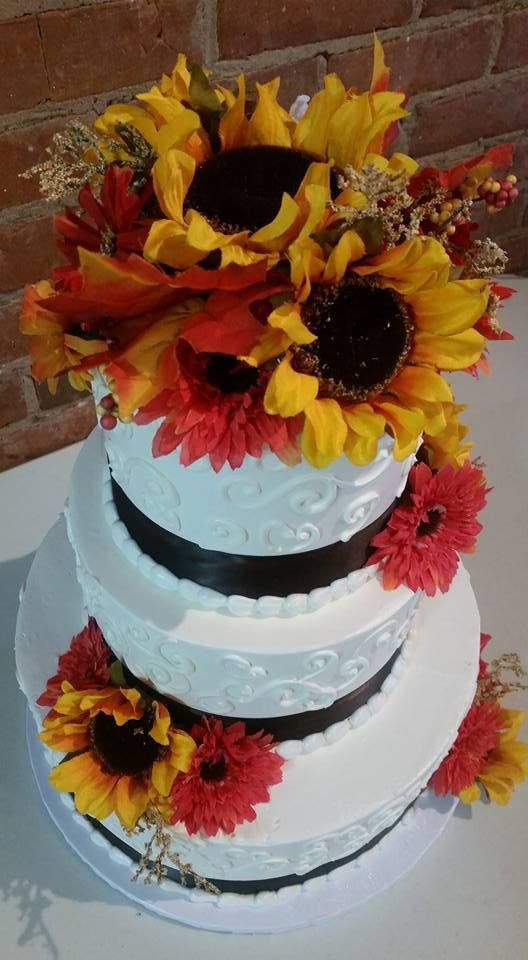 fall wedding cake from something delicious bakery specializing in wedding cakes cakes french