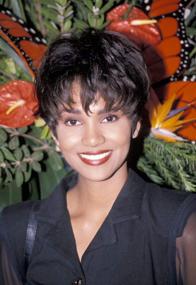 We're just going to come right out and say it: Halle Berry 's pixie cut is ...