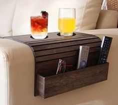 bandeja esteira de braço de sofá com porta controle caixote