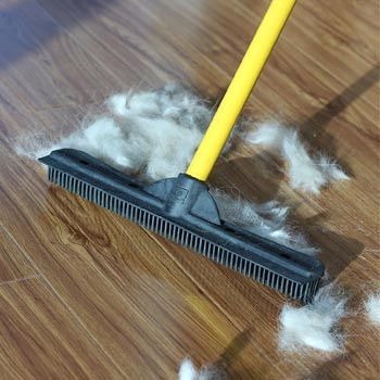 This rubber broom is one trick to make your floor super clean!