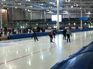 Don't know what to do this winter? Go ice skating in Sørmarka arena. Bring your family or friends!
