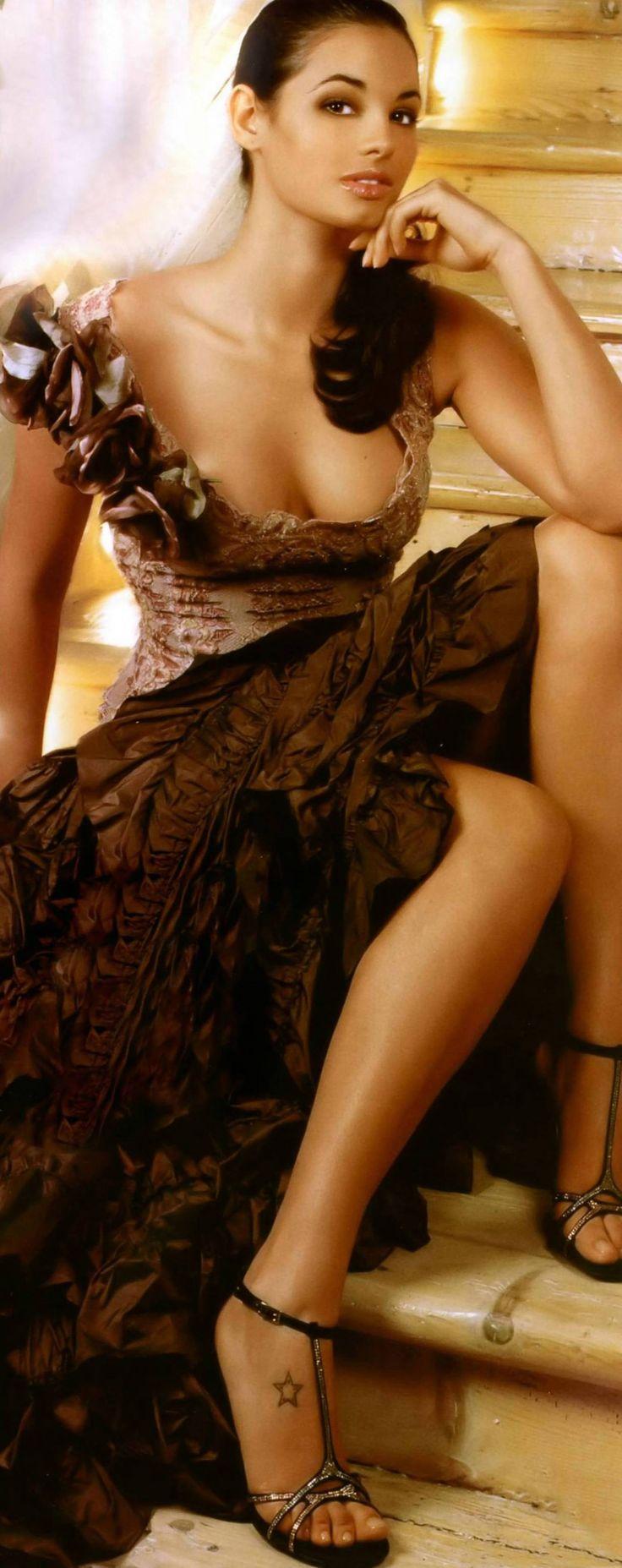 image Francesca hot italian girl with big natural tits gets naked and masturbate
