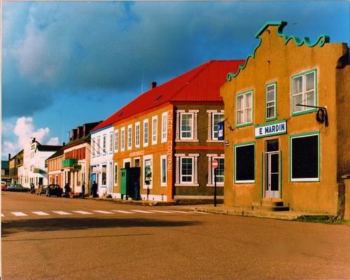 Saint-Pierre-et-Miquelon a forgotten territory of France in Northwest Atlantic. Population: 5 888.