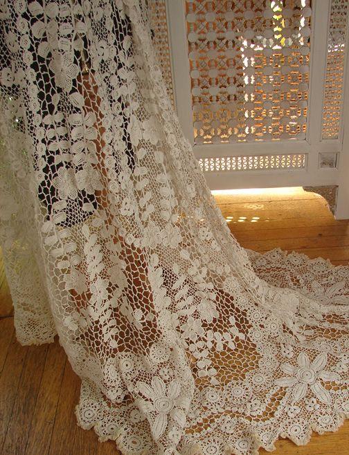 Покупатель и Продавец античного кружева, изысканным постельным бельем, Vintage Clothing, Haute Couture, Текстиль, Вентиляторы: Архив