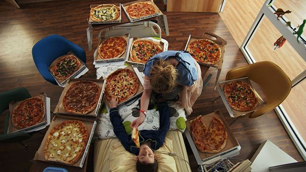 Red Band Society - The Healing Power of Pizza - Kara tries to wake 'Coma Boy' with a room full of pies:)
