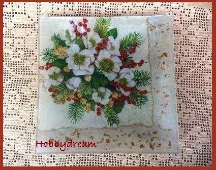 Piatto natalizio decorato con tecnica decoupage (foto D.P.  tutti i diritti riservati)