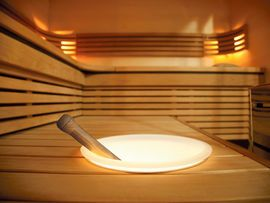 Illuminated bucket for sauna from Finnish sauna manufacturer Harvia. Valaistu löylykiulu Harvialta. Finland