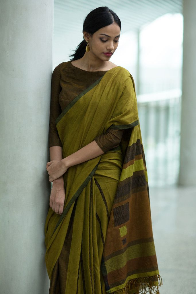 Work fashion Kotu Rata Saree from FashionMarket.lk
