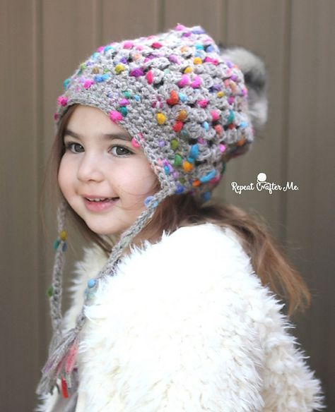 Puff Stitch pompom hat by Repeat Crafter Me http://www.repeatcrafterme.com/2017/01/crochet-patons-peak-puff-stitch-pompom-hat.html
