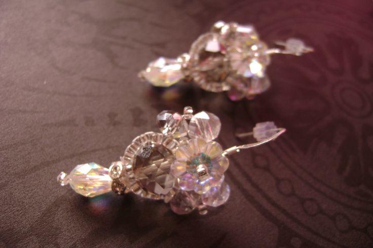 Swarovski crystal bridal earring by Tiffydesigns! www.tiffydesigns.com #wedding #bridal #earrings #Swarovski