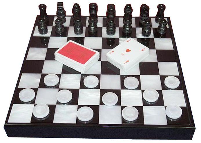 Набор «Шахматы, шашки, карты» Renzo Romagnoli в черном боксе / Игры Renzo Romagnoli / Настольные игры / Каталог / R-Gifts – интернет магазин подарков и сувениров