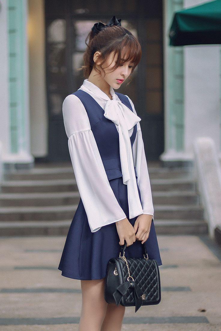 Japanese Fashion - v -neck blue color dress