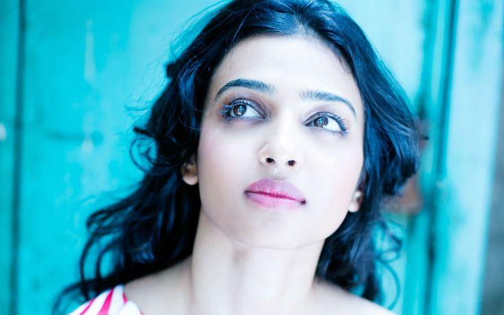 radhika apte selfie wallpaper hd 1080p - http://www.hd1080pwallpaper.in/indian-actress/radhika-apte-selfie-wallpaper-hd-1080p/