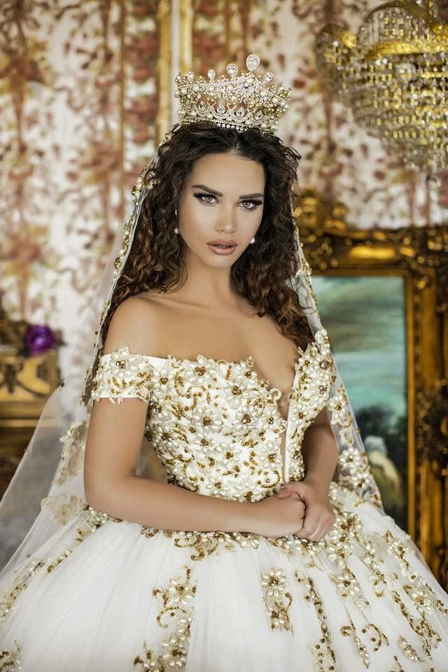 Wow What A Beautiful Wedding Gown Wedding Dress Organza