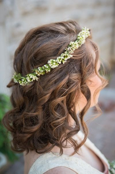 Italian inspired wedding hair: http://www.stylemepretty.com/oregon-weddings/portland/2014/07/02/tuscan-wedding-inspiration-in-portland/ | Photography: Hoddick Photography - http://www.hoddick.com/