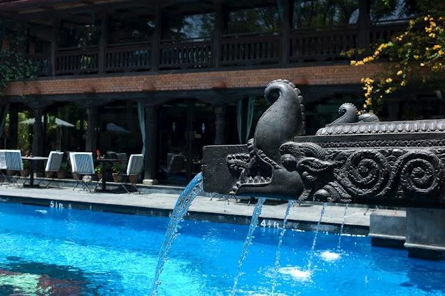 MEET THE DWARIKA'S HOTEL IN KATHMANDU - NEPAL http://inindiaperamore.blogspot.in/2012/08/the-dwarikas-hotel-in-kathmandu-nepal.html