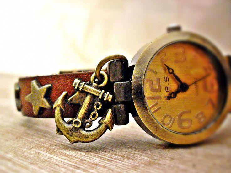 SEEMANNS BRAUT - Echtleder Retro Uhr Armbanduhr  von Schloss Klunkerstein Designer Schmuck Manufaktur & Armbanduhren für besondere Menschen. Naturschmuck, Trendschmuck, Geschenke und antike Raritäten! auf DaWanda.com