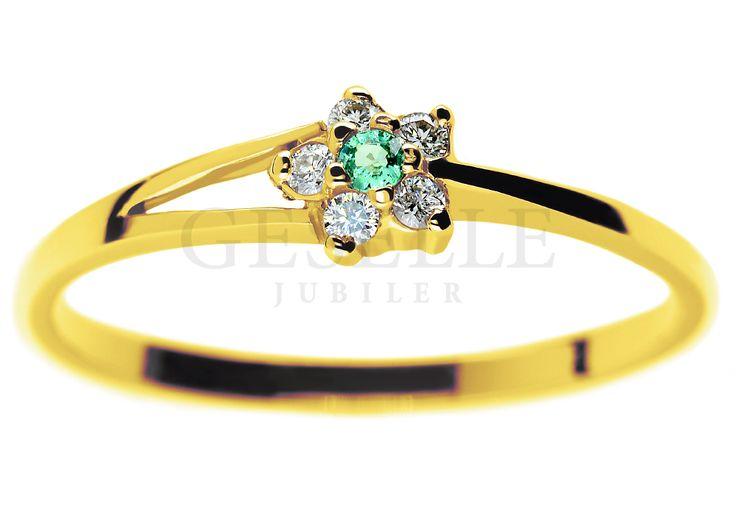 Złoty pierścionek zaręczynowy z okrągłym szmaragdem i brylantami 0,05 ct - GRAWER W PREZENCIE | PIERŚCIONKI ZARĘCZYNOWE  Brylanty  Szmaragd naturalny od GESELLE Jubiler