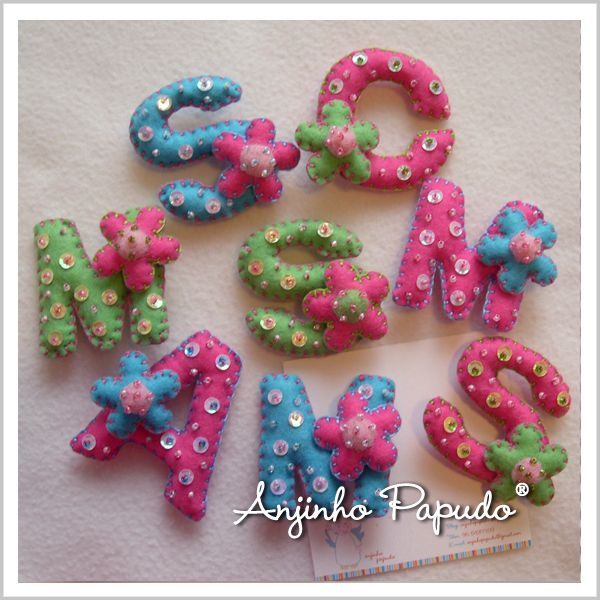 Some of the letters that I create and customize in my Anjinho Papudo Shop.