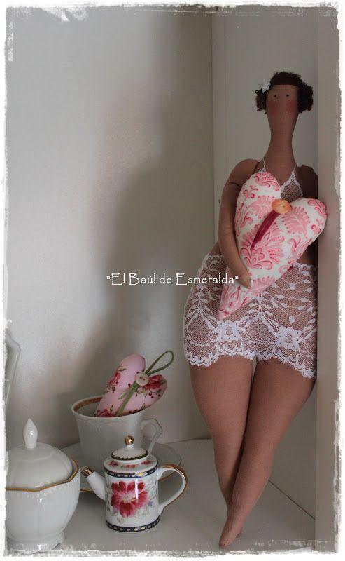 """El baúl de Esmeralda ♥♥♥.....""""chunky"""" is beautiful...and so is this adorable tilda doll!!!......"""