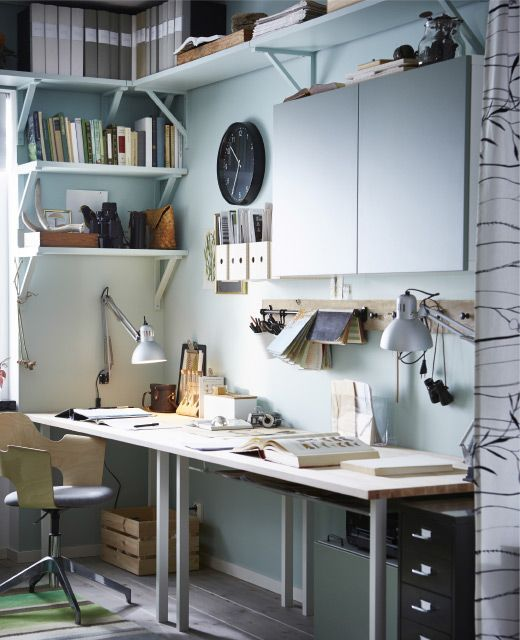 Scaffali a giorno in un ufficio in casa - IKEA