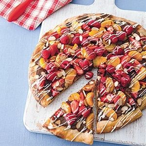 Grilled Dessert Pizza with chocolate fruit