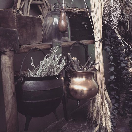 25 unique kitchen witchery ideas on pinterest wicca for Witches kitchen ideas