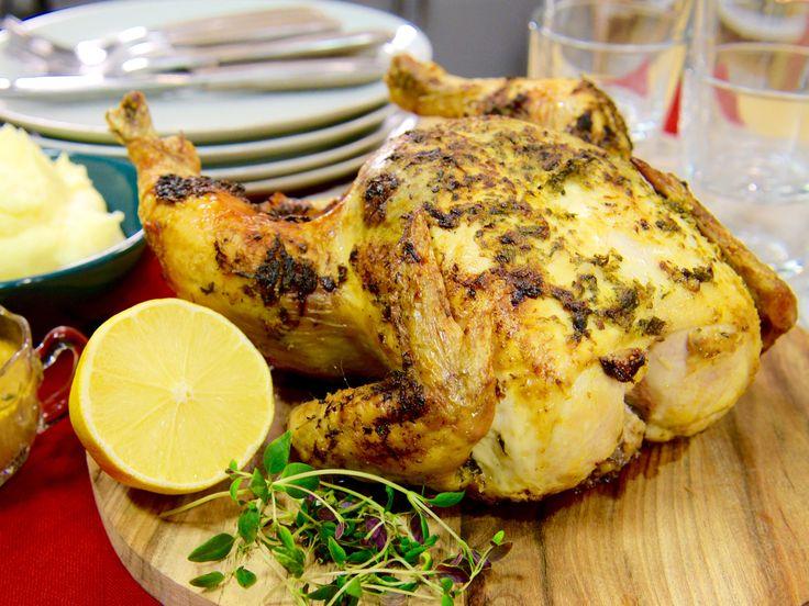 Hel kyckling i ugn med timjan och citron | Recept fr�n K�ket.se
