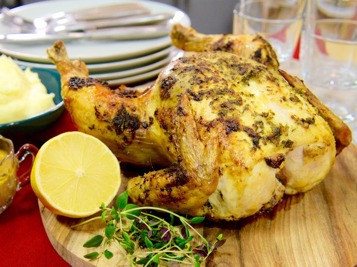 Hel kyckling i ugn med timjan och citron   Recept från Köket.se
