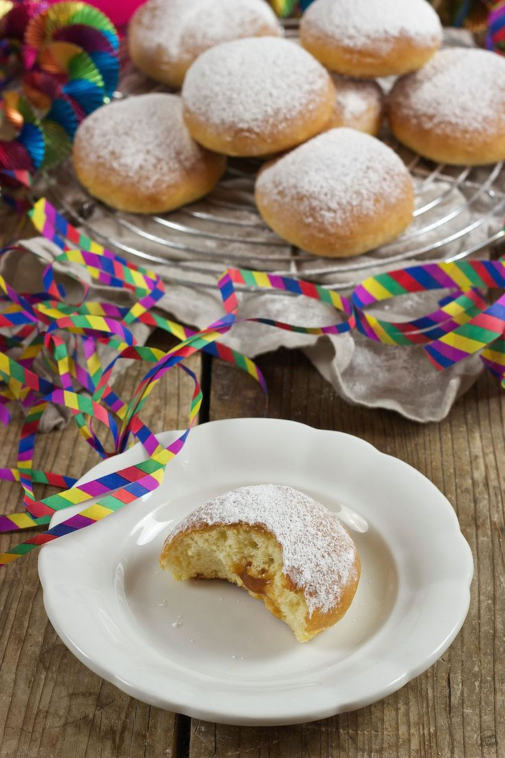 Faschingskrapfen (Berliner) aus dem Backofen // Oven Baked Doughnuts // Sweets & Lifestyle®️️  #faschingskrapfen #berliner #krapfen #backrohrkrapfen #berlinerausdemofen #recipe #baking #food #fasching #karneval #carnival #sweetsandlifestyle