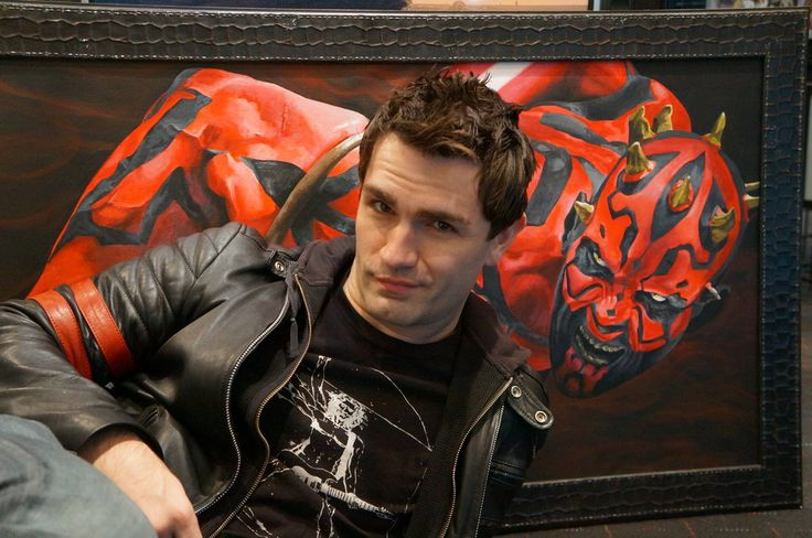 Sam Witwer with Rexor101's painting of Darth Maul