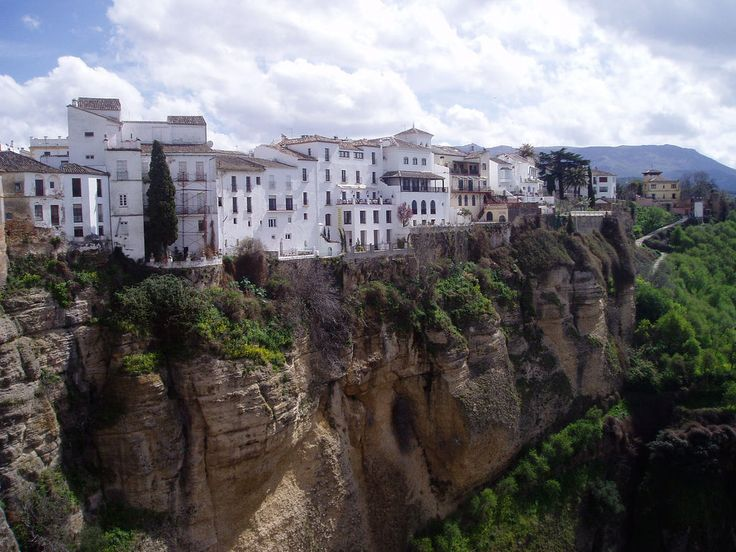 Be amazed by the White Villages of Ronda. The famous writer, Ernest Hemingway, spent many summers here in Ronda as a part time resident of the old town quarter. Enjoy insider access to the history of Ronda with Blue Parallel.