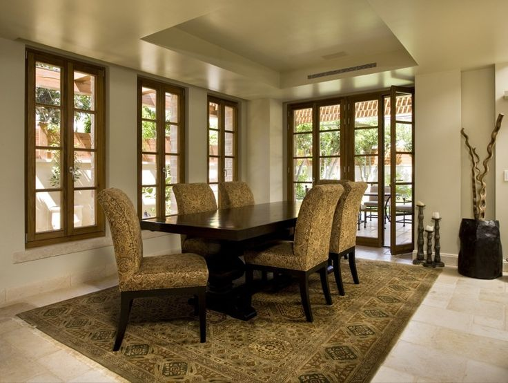 The high quality dried laminated wood used to create the window, guarantees excellent noise and thermal insulation.