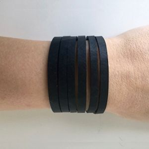Armbånd, recycled rubber - STRAIGHT