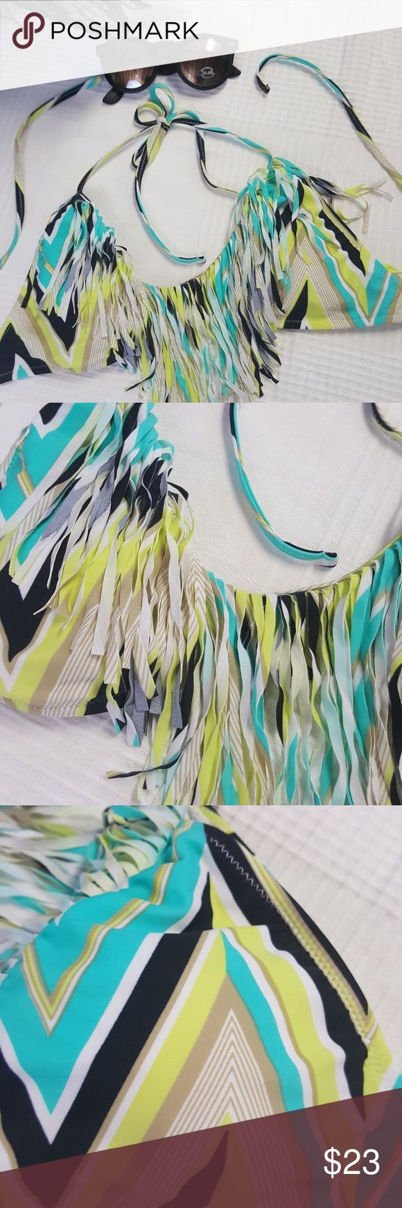 R Collection by raisins Bikini Top w Fringe Size L New without tags. Multi-color triangle bikini top with fringe. Size large. R Collection by raisins Swim Bikinis