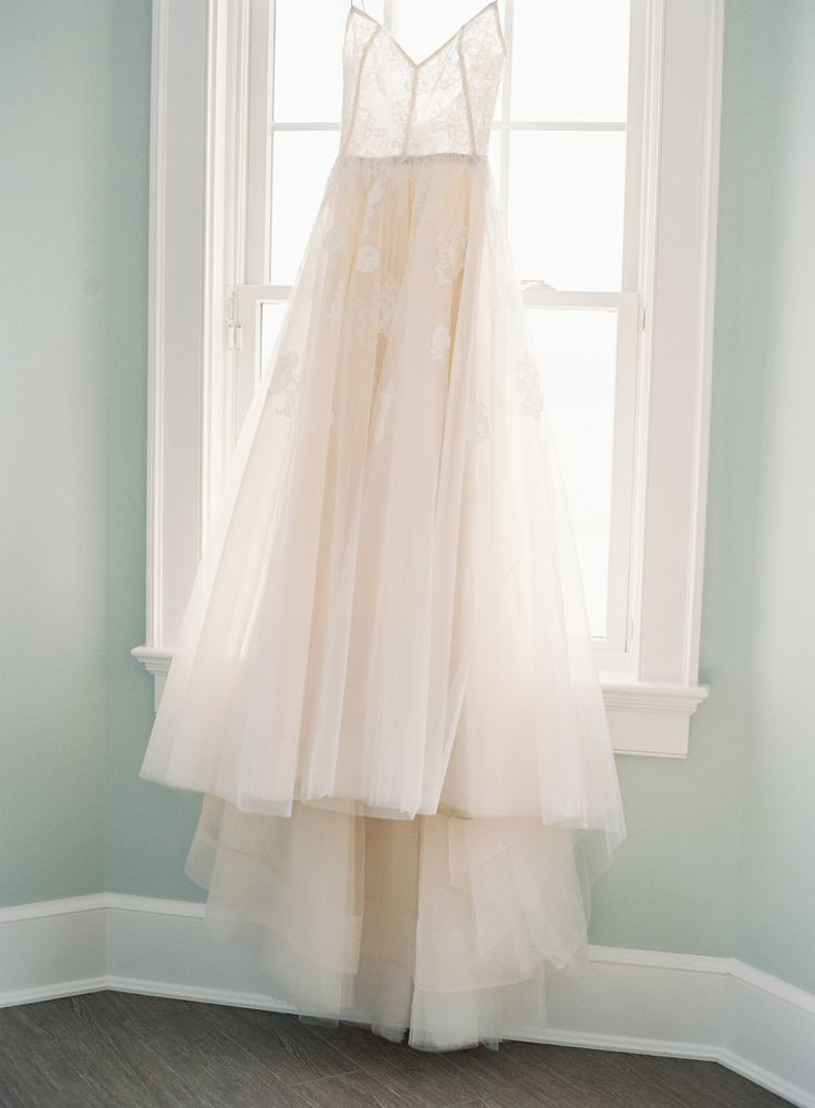 Photography : Judy Pak Photography | Wedding Dress : Monique Lhuillier  Read More on SMP: http://www.stylemepretty.com/2017/02/17/a-boathouse-ceremony-the-perfect-summer-wedding/