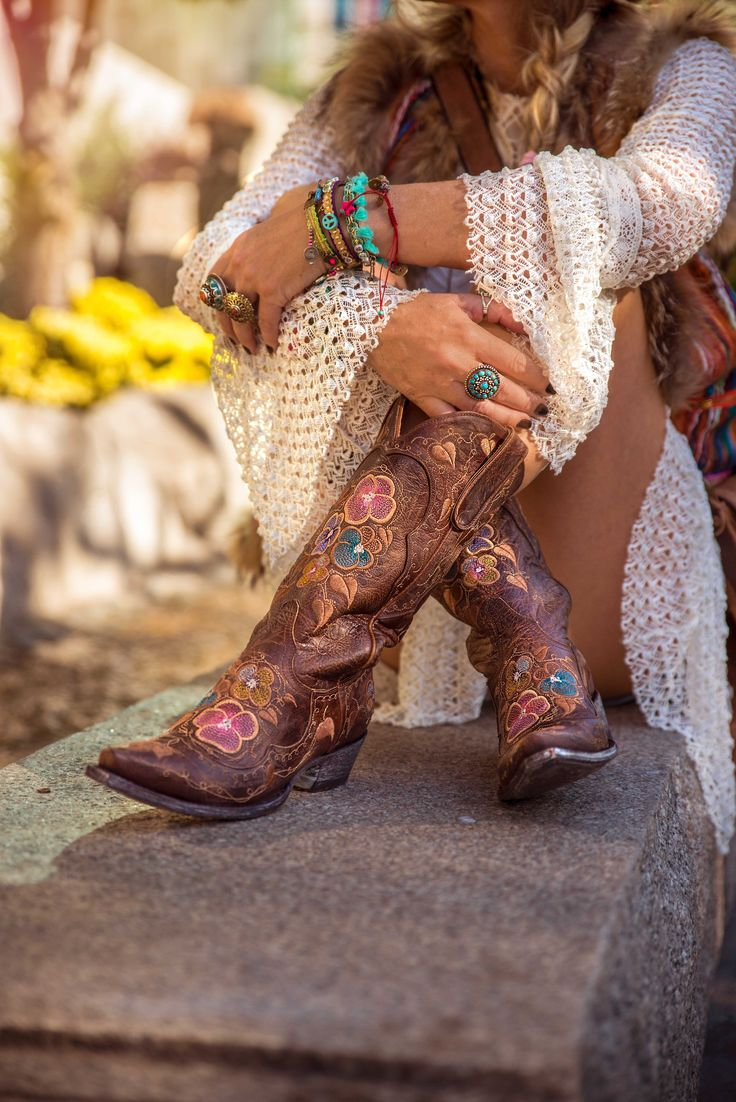 Embroidered cowboy boots to love Old Gringo style