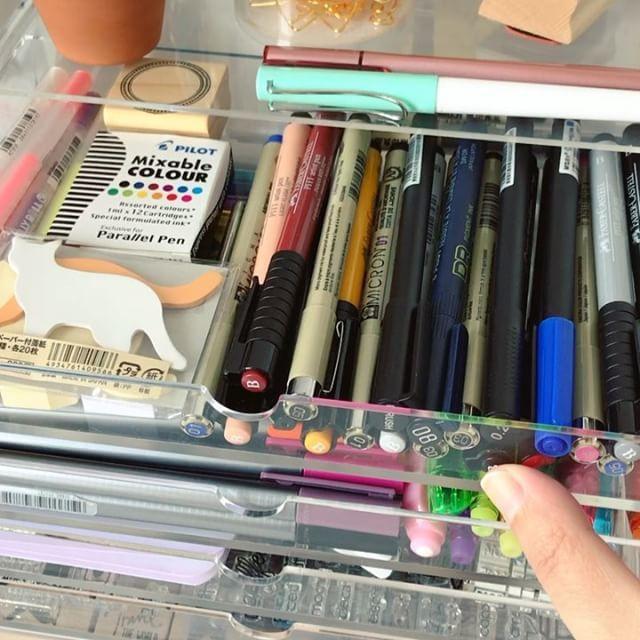 IG: @thejumpingfox  Uma olhadinha de perto nas minhas gavetas ✨✨✨ A peek into my drawers