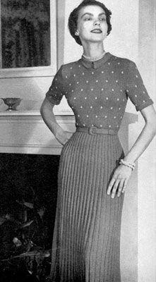 Evastan skirt and blouse http://freevintageknitting.com/free-dress-pattern/bernat22/evanston-skirt-blouse