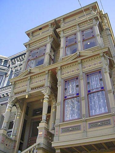love the painted LadiesBays Windows, San Francisco Victorians, Victorian Painting, Alamo Squares, Style Victorian, Architecture, Italian Style, San Francisco Victorian Houses, Painting Lady