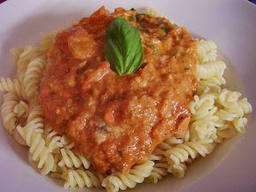 Nudeln in leichter, sämiger Thunfisch-Tomaten-Käse Sauce 29