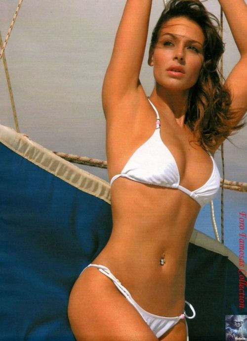 Sara Carbonero Hot 500x689 Sara Carbonero Breast Size After Plastic Surgery and Breast Implant Rumors