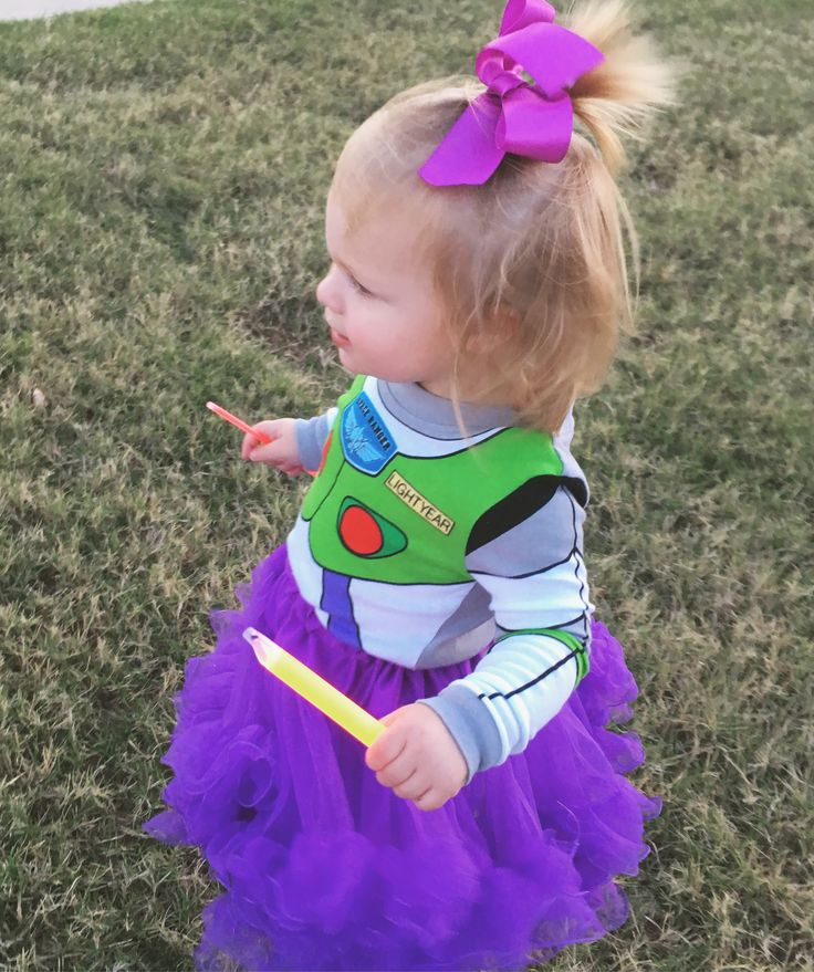 Buzz light year toddler girl costume #toddlercostume #buzzlightyear #toystory #halloweencostume #diycostume